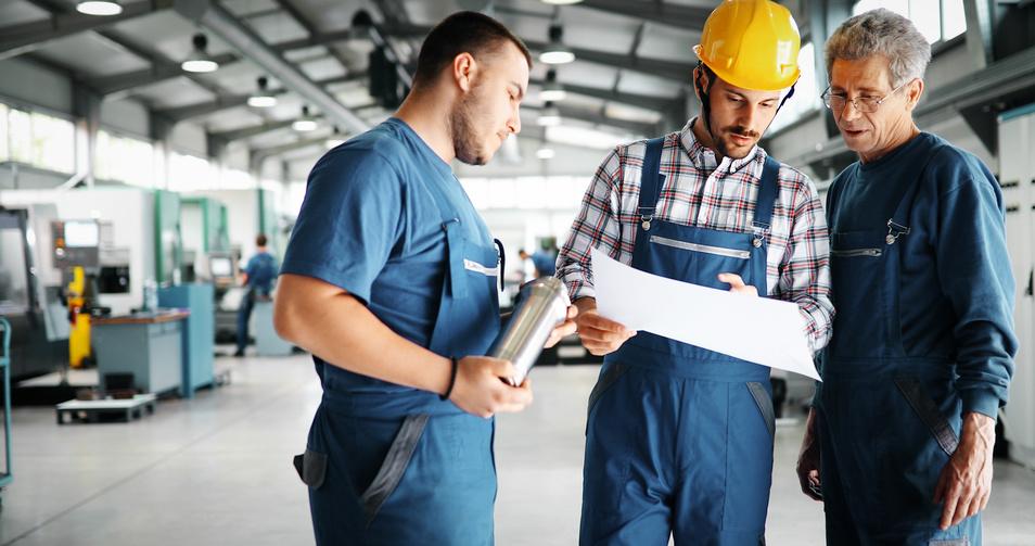 Firmy zalewają kancelarie prawne specjalizujące się w prawie pracy lawiną pytań dotyczących możliwości przejścia na zatrudnianie na zasadach outsourcingu