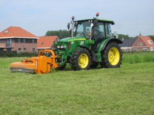 Traktor do trawy