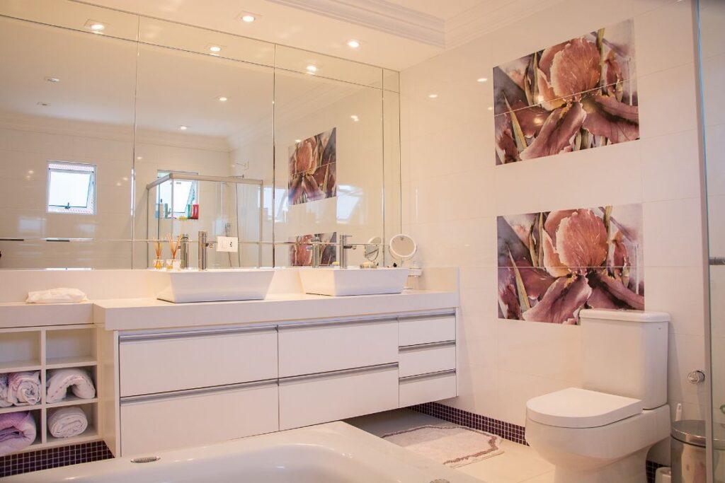 elementy wyposażenia łazienek