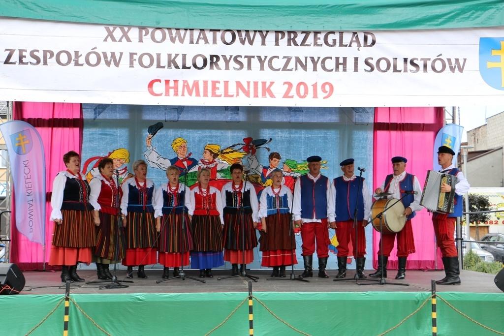 Powiatowy Przegląd Zespołów Folklorystycznych i Solistów w Chmielniku