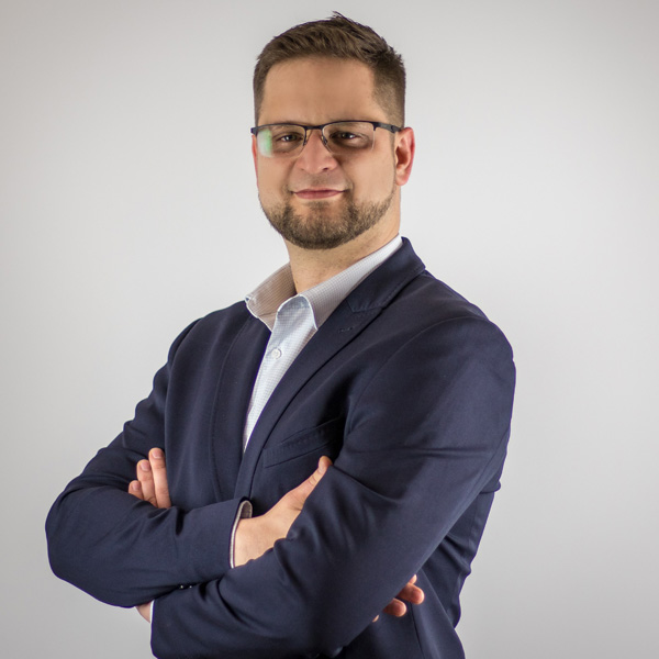 Dawid Jakubowski, Prezes Zarządu i współpomysłodawca osiedla wypoczynkowego NOKK HOUSES